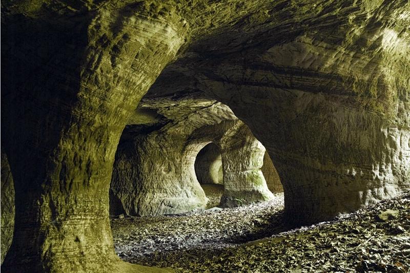 Beeston caves
